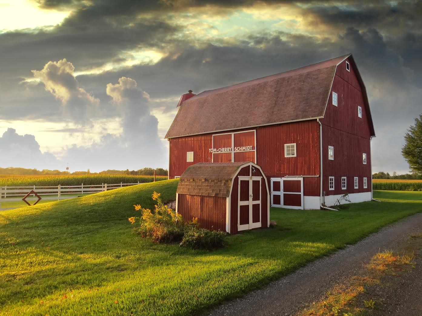 The 10 Michigan Wedding Barns You Have To See