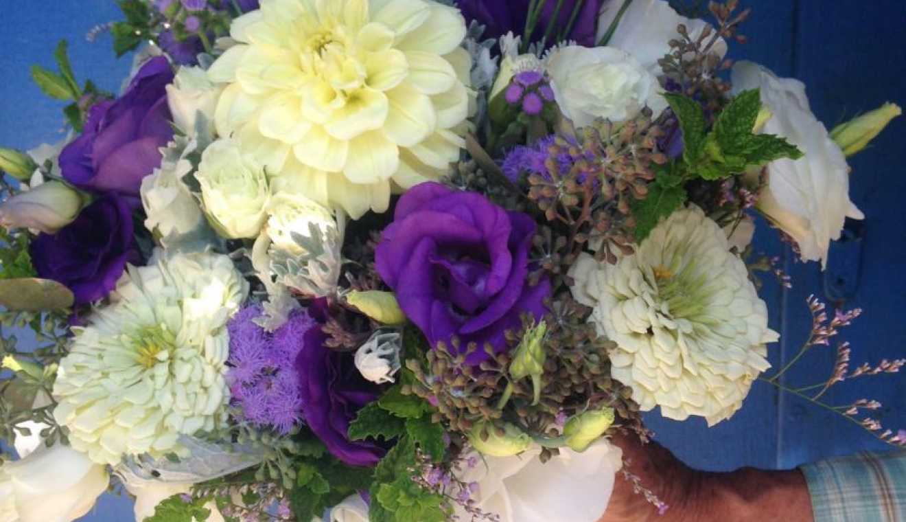Harvest Moon Flower Farm Weddingday Magazine