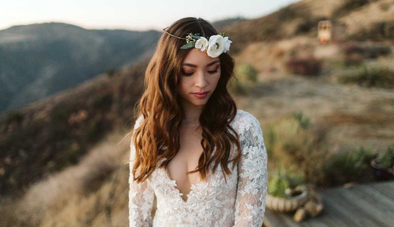 Emily rose flower crowns weddingday magazine emily rose flower crowns izmirmasajfo