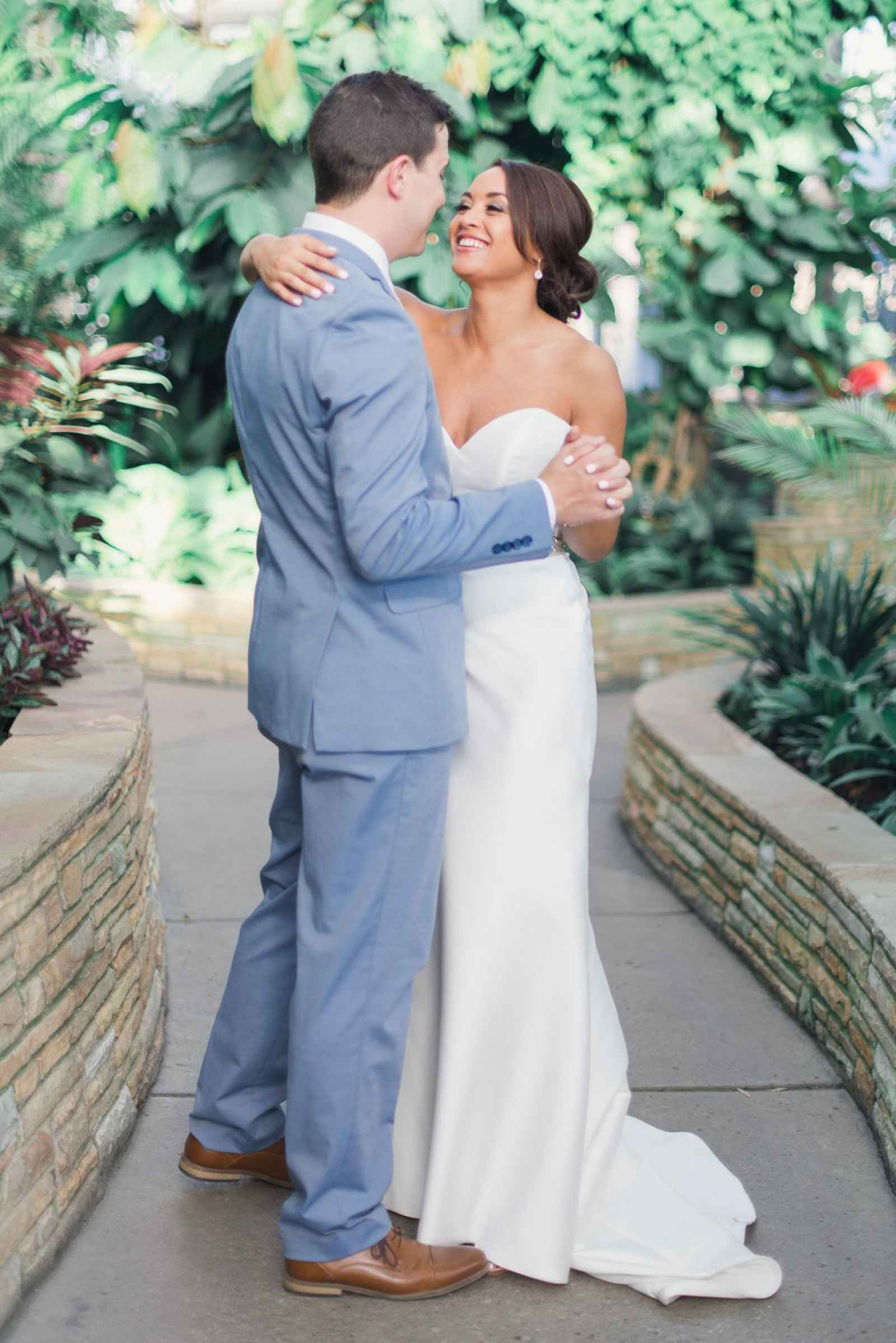 Used Wedding Dress Site. Cheap Preowned Wedding Dresses Designer ...