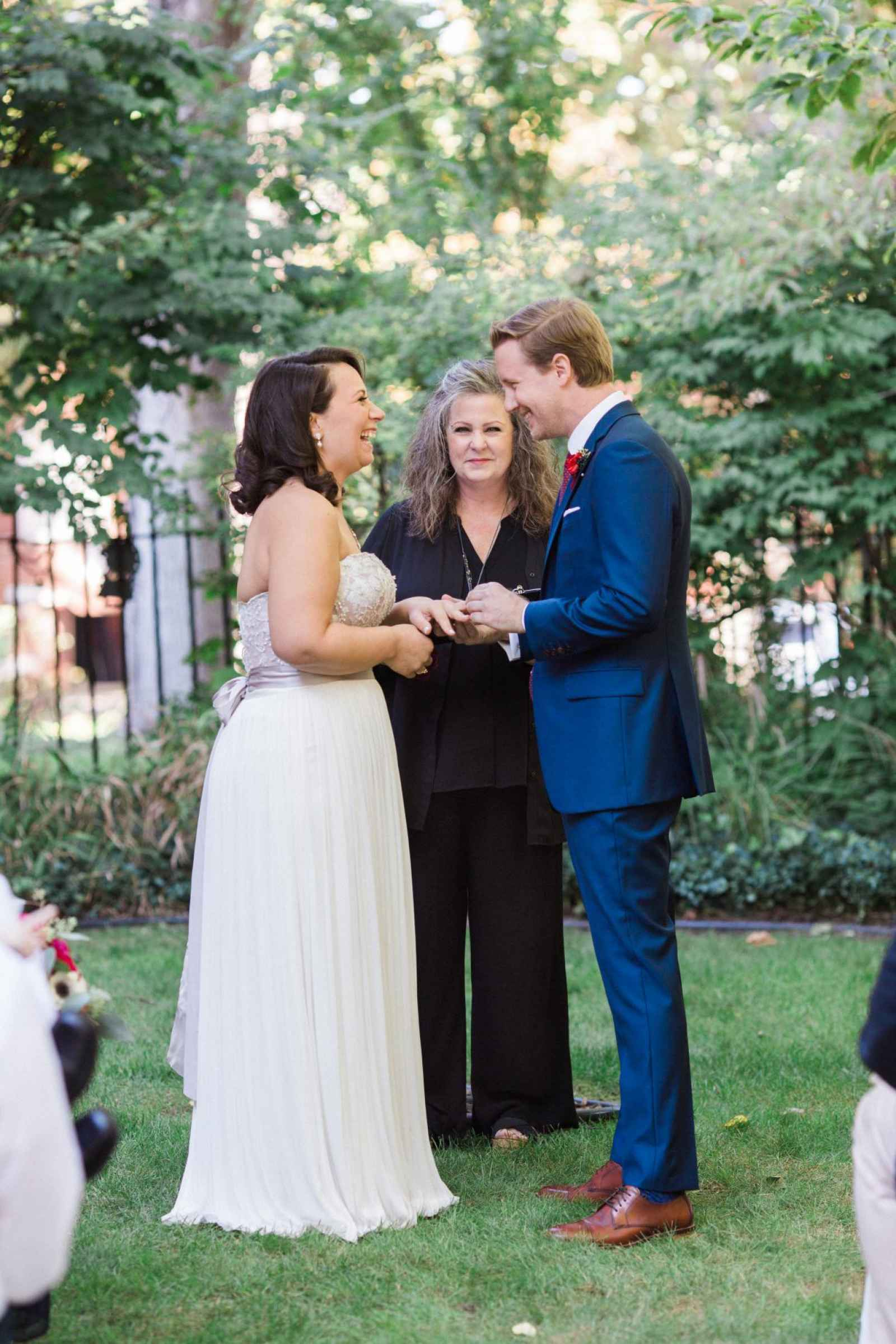 The real wedding of cat and miles ludy weddingday magazine is so much to do when planning a wedding that i encourage everyone to delegate tasks to others so you dont stress yourself out before the wedding day solutioingenieria Choice Image