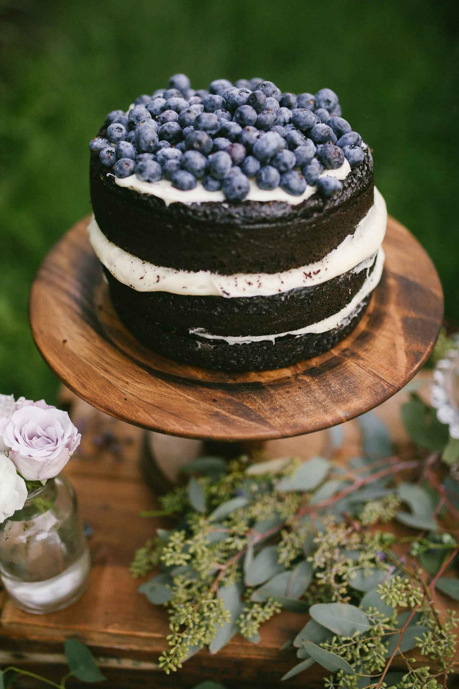 A michigan blueberry farm soir e weddingday magazine for French country magazine online