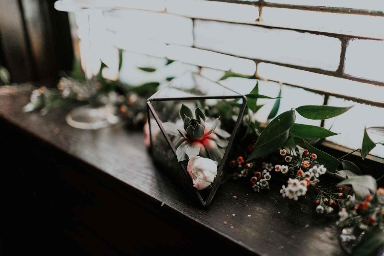 the wedding story of rebecca and aaron zettler weddingday magazine
