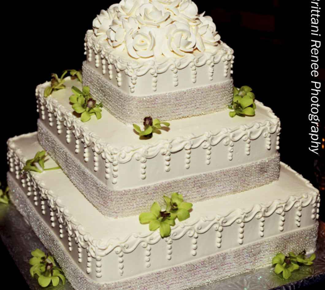Wedding Cake Inspiration: Macri\'s Bakery | WeddingDay Magazine