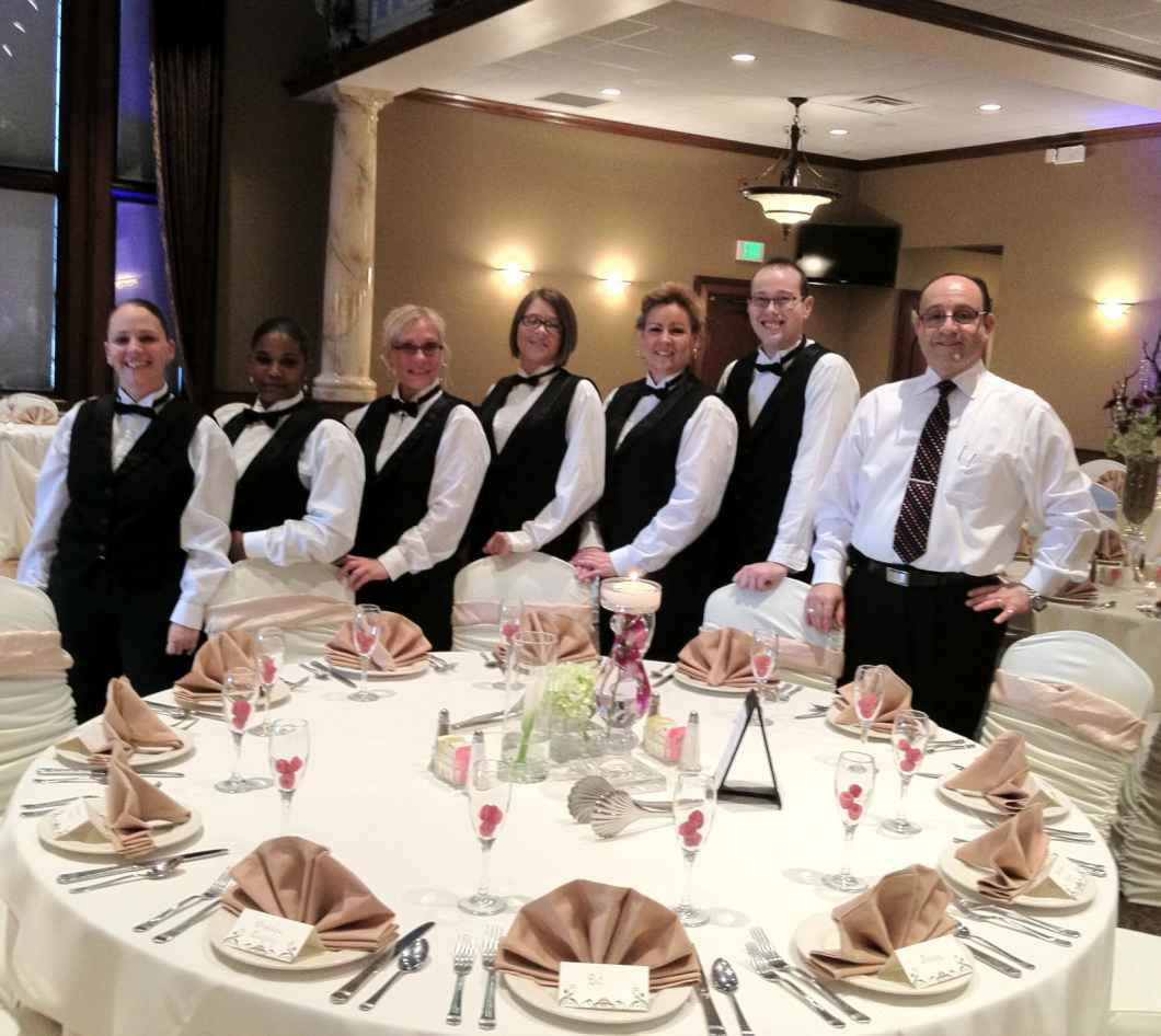 Standard Wedding Gift Amount: Etiquette Of Tipping Vendors