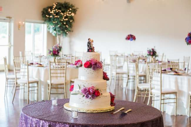 Purple and Gold Wedding Cake | WeddingDay Magazine