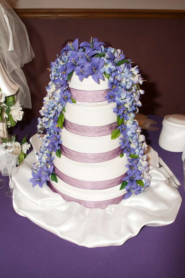 Five-Tiered Cake With Cascading Lilies