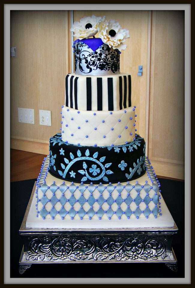 Various design elements on one wedding cake