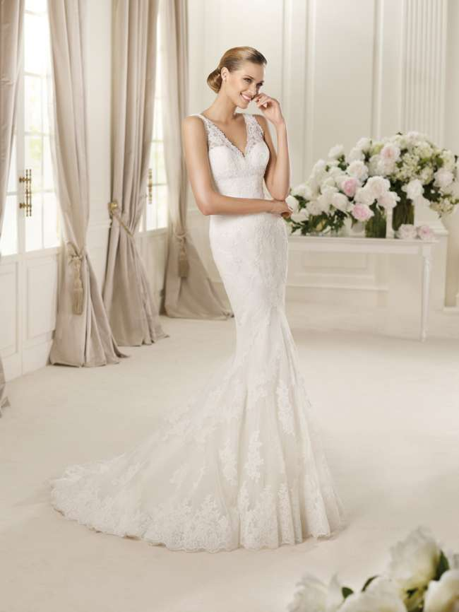 Stunning Lace Trumpet Gown
