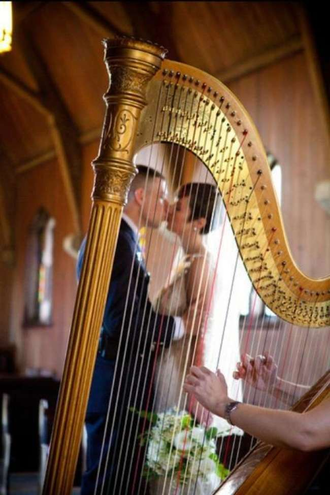 A Kiss Through the Harp