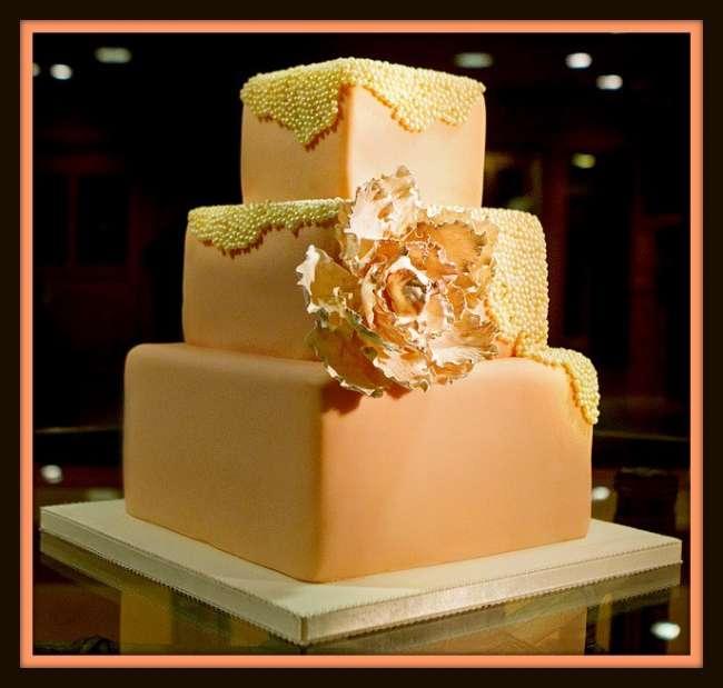 Square, three-tiered wedding cake
