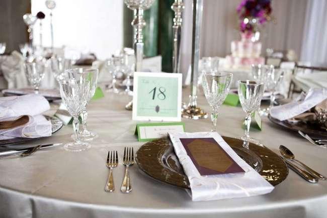 Green & Silver Tablescape