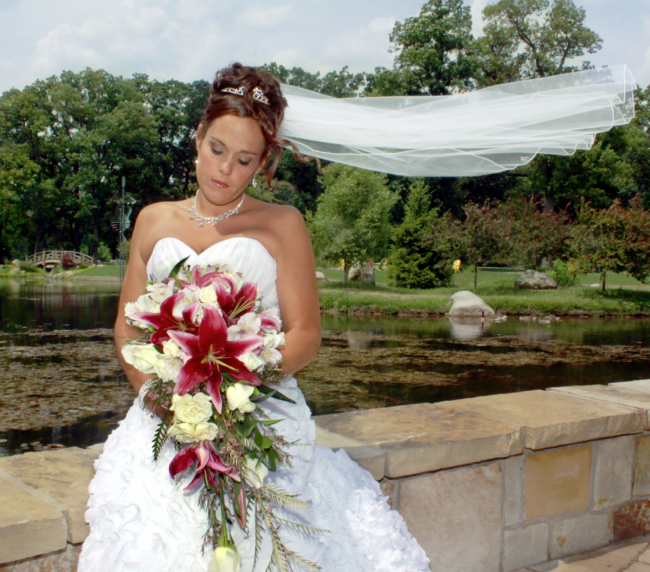 Bride with draping bouquet