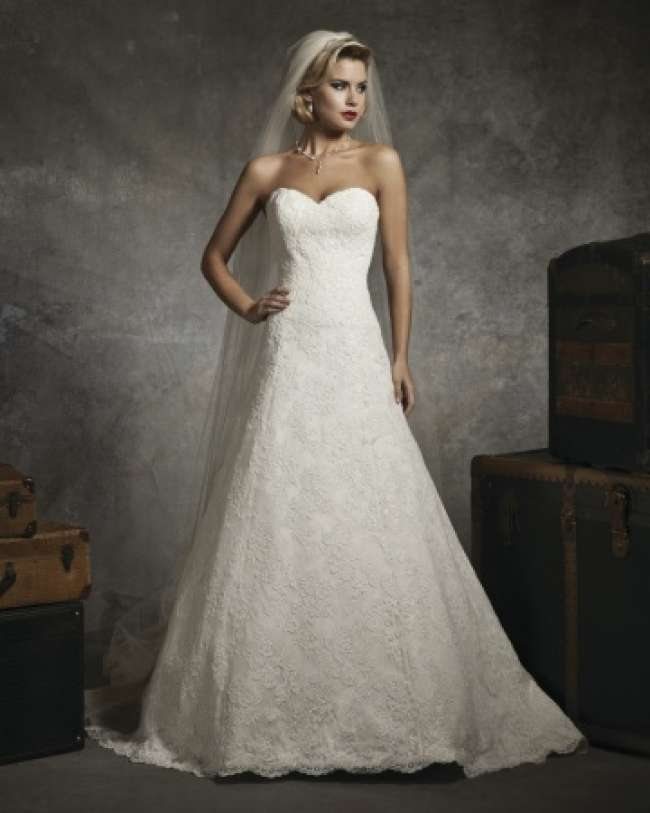 Simple, yet elegant strapless wedding dress