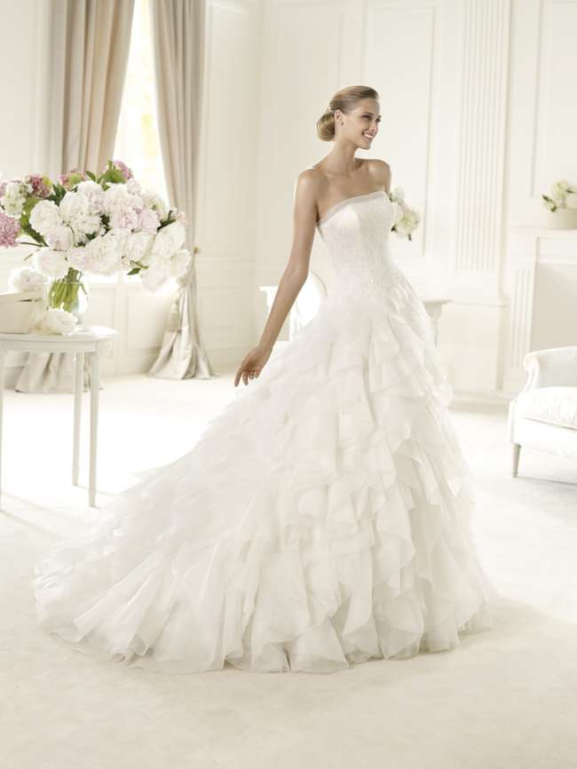 Gorgeous Pronovias ruffle and lace ballgown