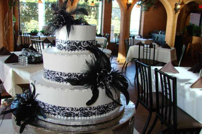 Feathery Black and White Cake