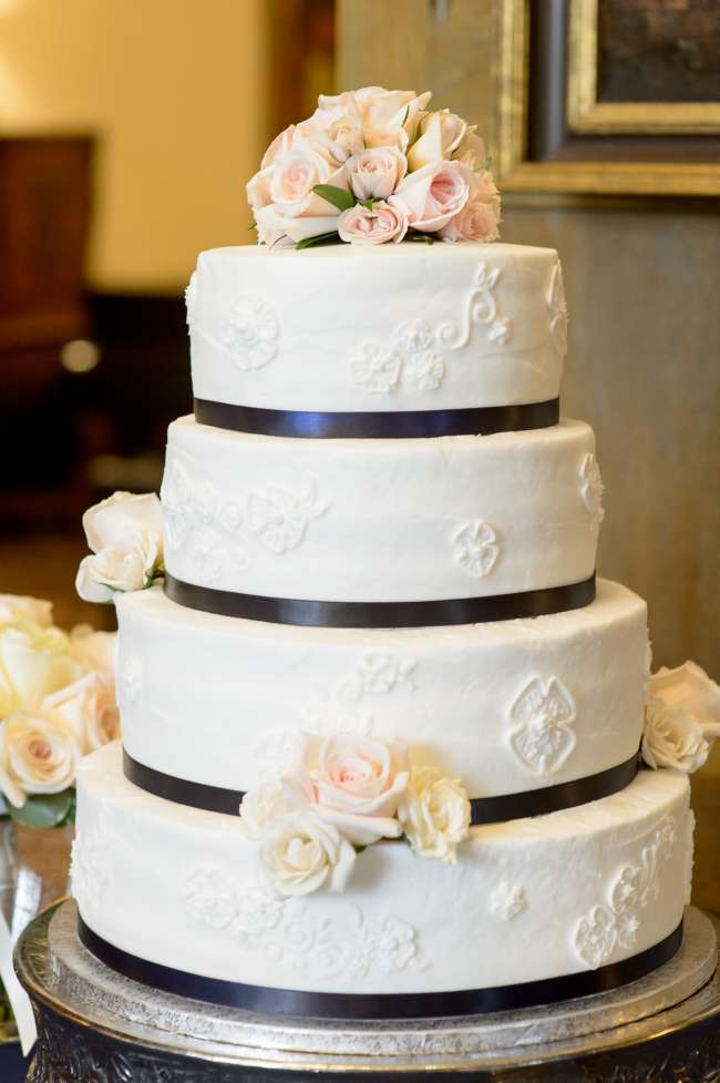 Classic Four-TIered Cake With Blush Flowers