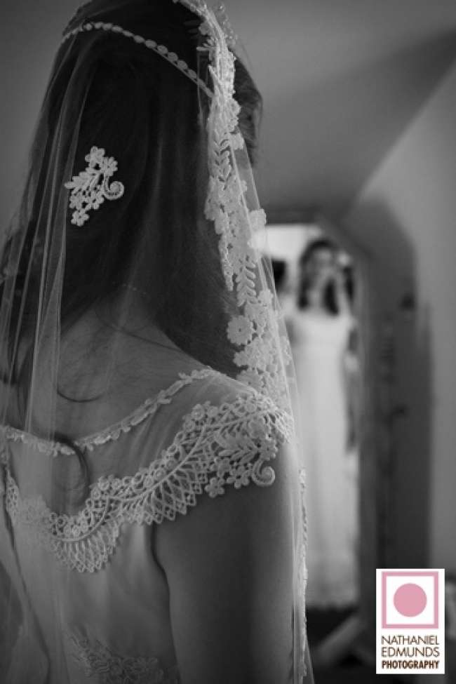 Bride wears her mother's veil