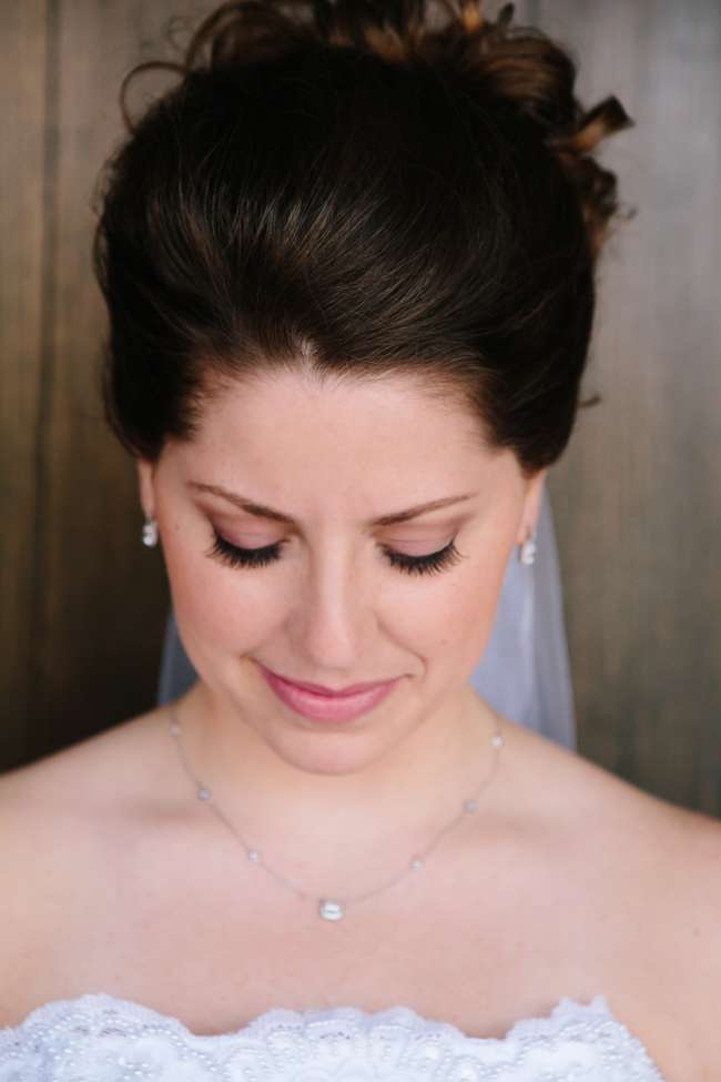 Beautiful eye makeup on bride