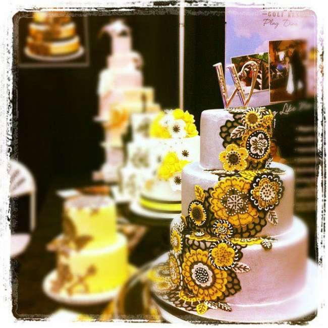 Wedding cake featuring intricate detail