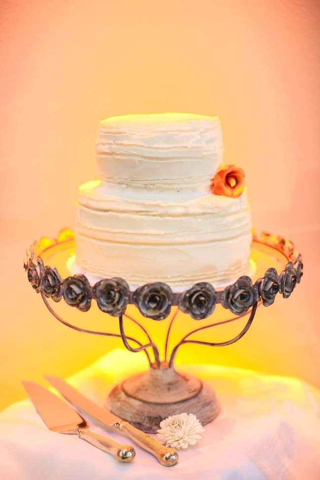 Small, Simple White Cake   WeddingDay Magazine