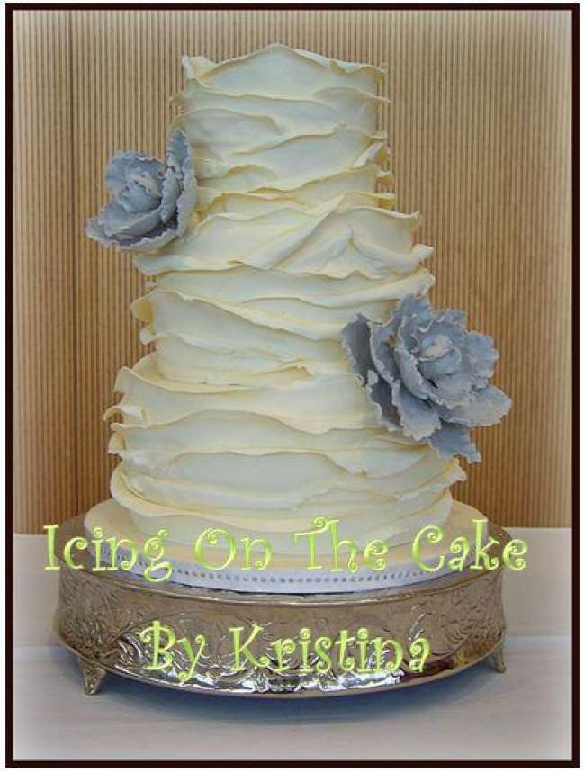 Wedding cake with tapered frosting