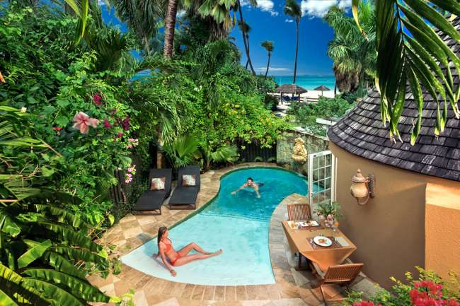 Swim up pool at Sandals Grande Antigua