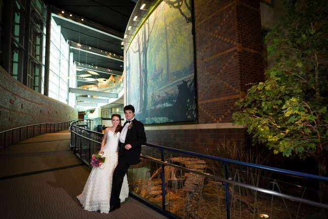 Unique museum background for wedding photos