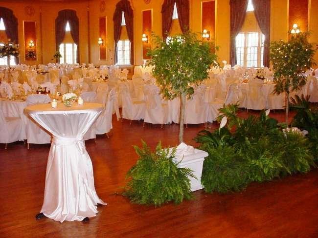 Ballroom Cocktail & Reception Tables