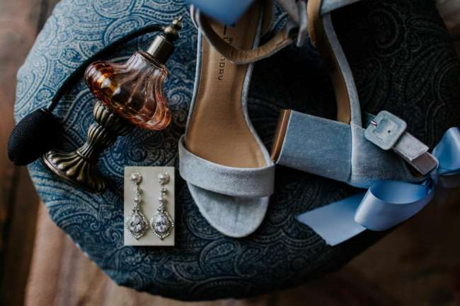 midwest wedding elopement photographer adventurous emily hary travel destination blue velvet shoes bride