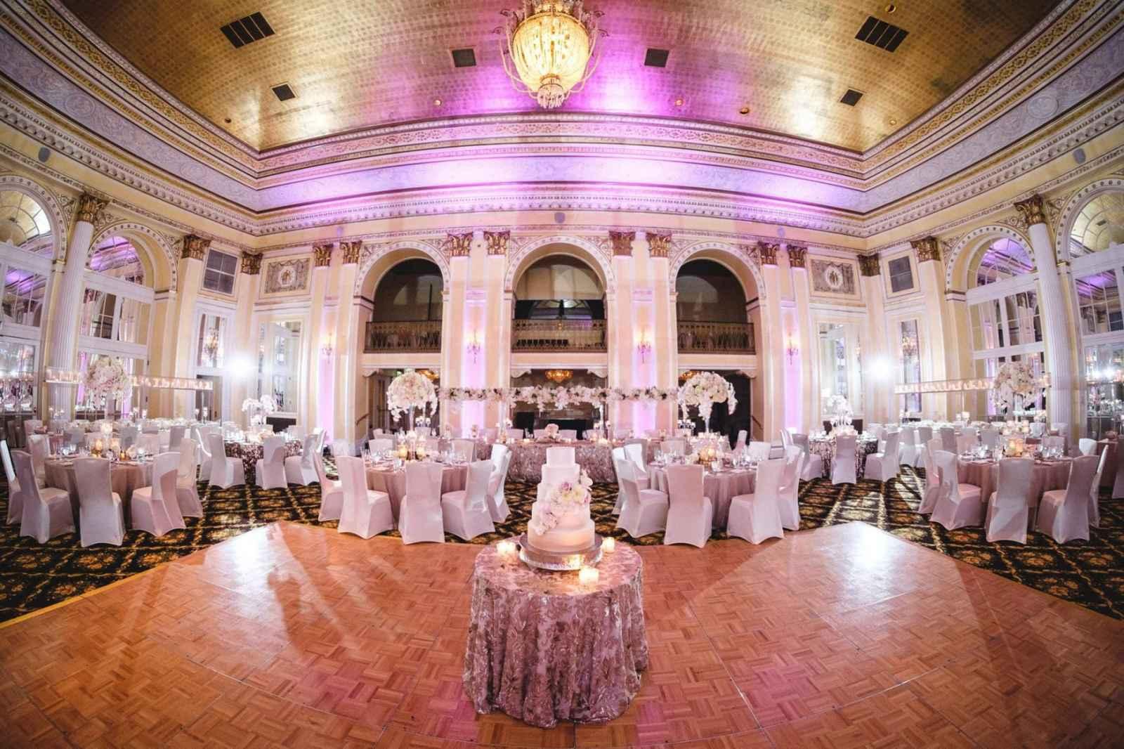 Amway Grand Plaza Hotel Www Amwaygrand 187 Monroe Avenue Nw Rapids Michigan 49503
