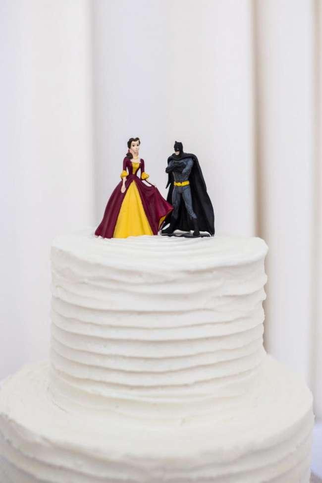 Batman Wedding Cake.Beauty And The Beast Batman Wedding Cake Weddingday Magazine